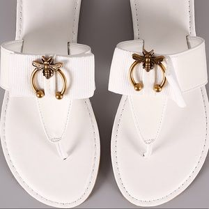 BAMBOO Vintage Bee & Bow Thong Sandal White 10